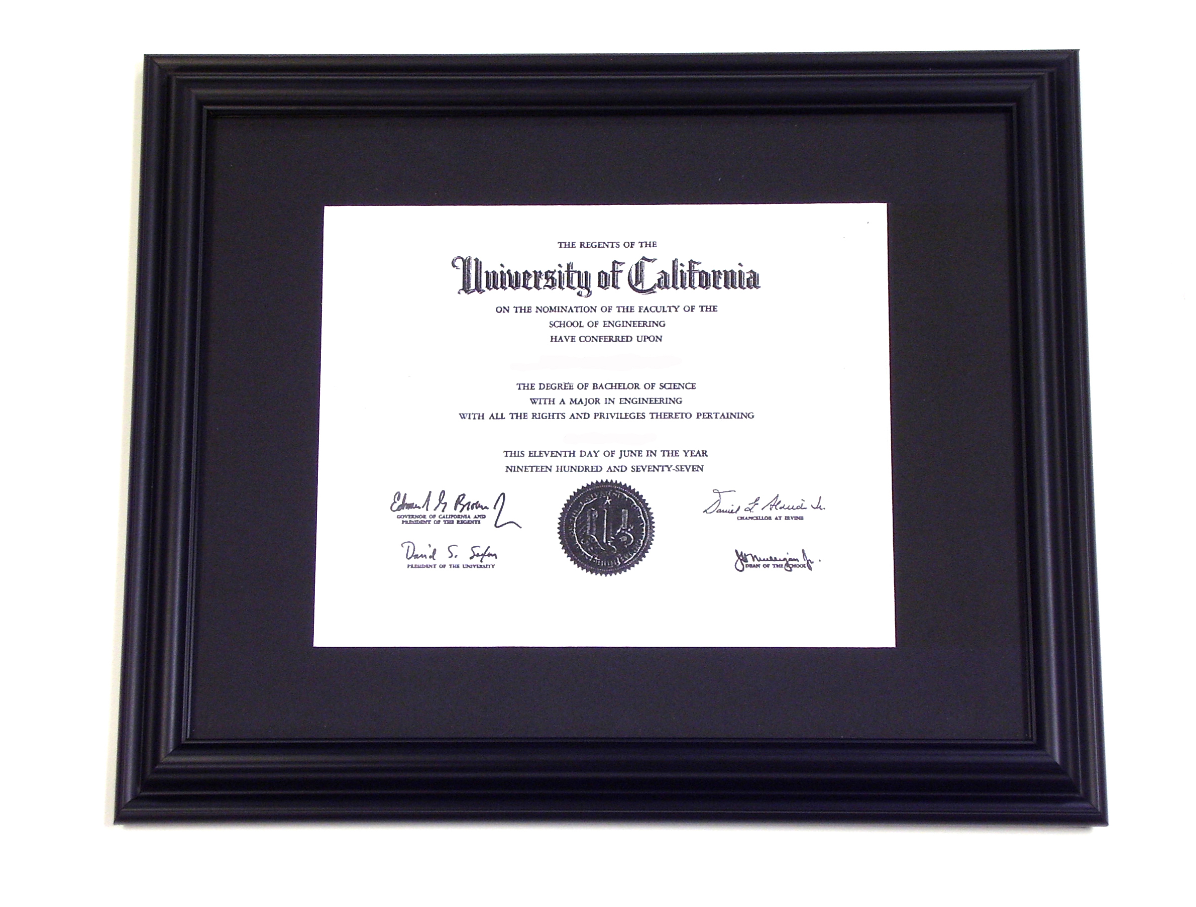 italian lacquer shaded brandy diploma frame with 5x7 image and tassel holder
